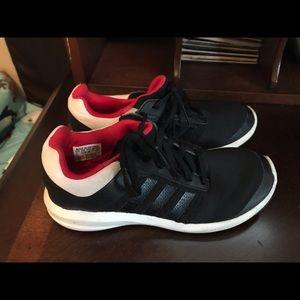 Adidas boys shoe